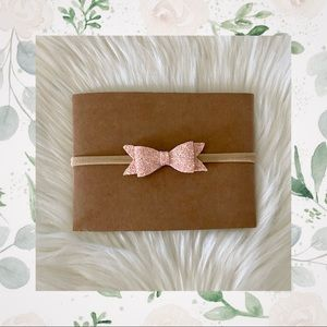 👑Light Pink Shimmery Clip In Bow or Bow on Nylon!